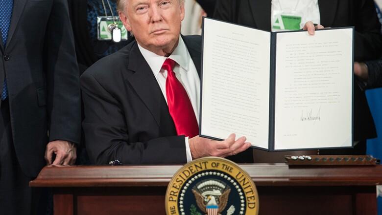 Decreto sobre el muro