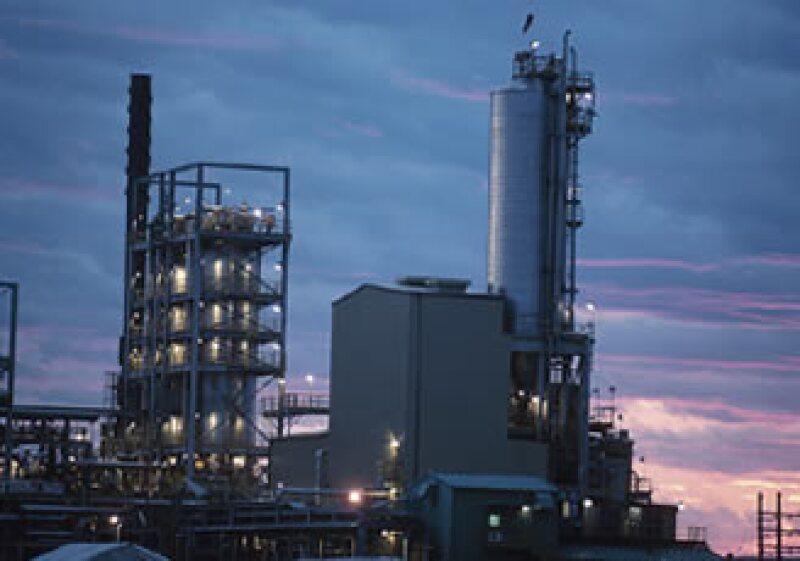 El número de plataformas petroleras en operación en México es levemente inferior a 180. (Foto: Jupiter Images)