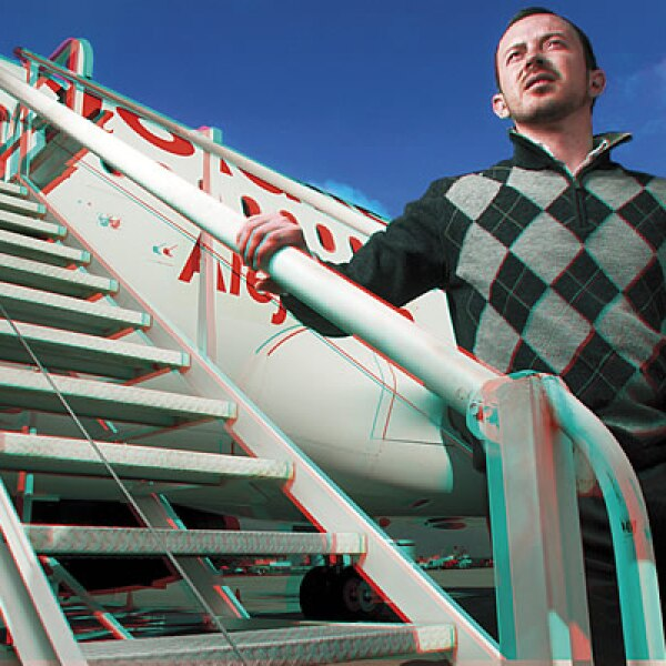 José Calderoni, director de Mercadotecnia de Volaris. CAMPAÑA: EU cada vez más mexicano. SERVICIO: Viajes a EU. AGENCIA: TeránTBWA.