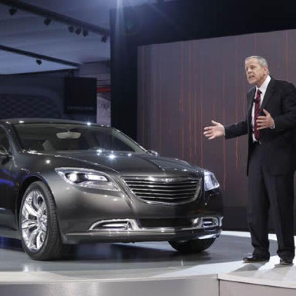 El 200C EV es el nuevo sedán mediano de Chrysler, que además es eléctrico.