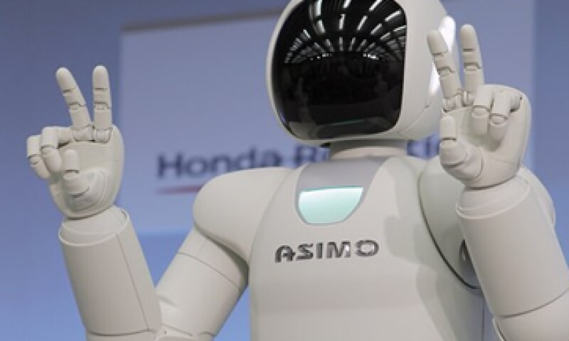 El robot Asimo también puede balancearse en superficies irregulares. (Foto: AP)