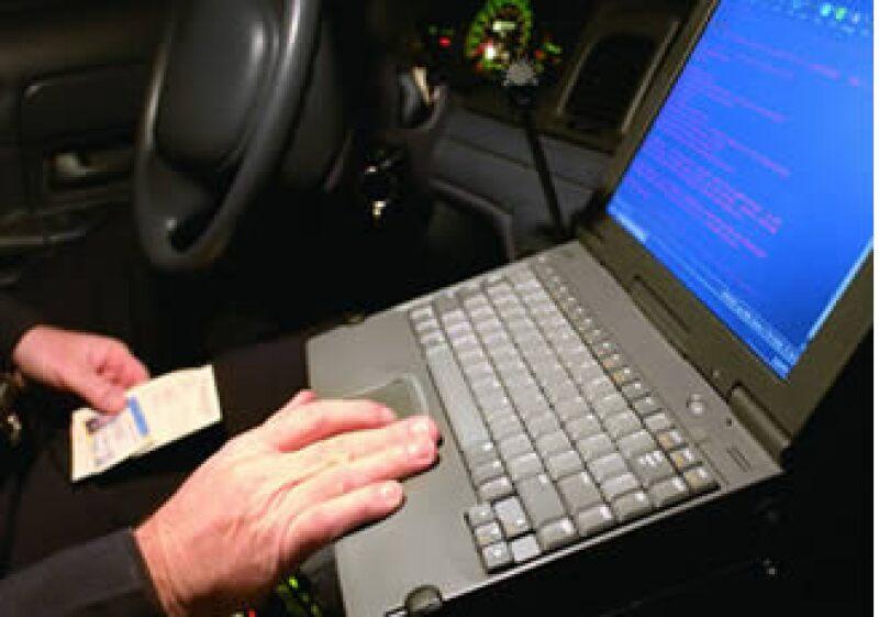 Hackers y otro tipo de criminales intercambian información bancaria y crediticia a bajo precio. (Foto: Jupiter Images)