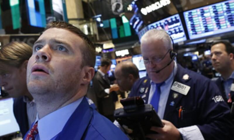 En la semana el Dow Jones subió 0.9%, el S&P 500 sumó 0.8% y el Nasdaq avanzó 0.4%. (Foto: Reuters)