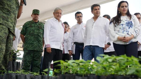 López Obrador y Juan Orlando Hernández