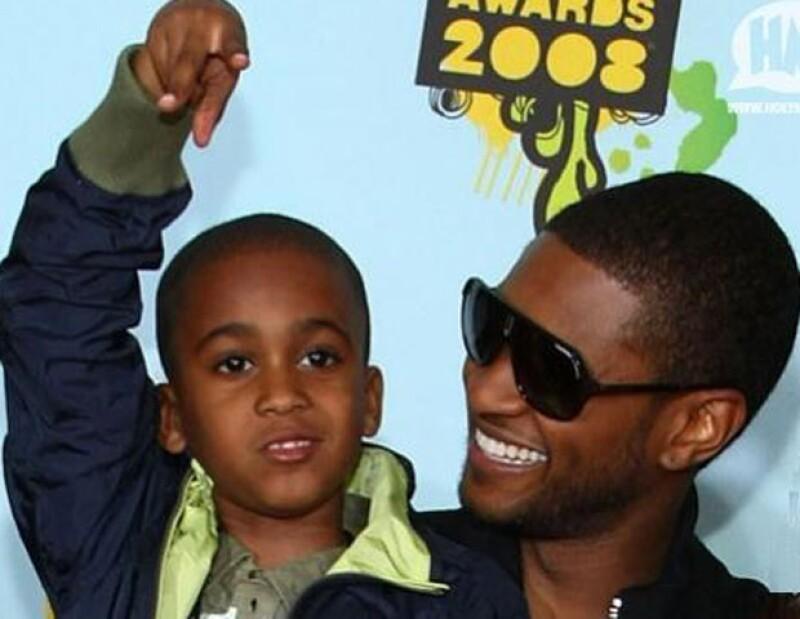 Hoy por la mañana se dio a conocer la triste noticia que el hijastro del cantante de once años perdió la vida tras un accidente en jet ski.