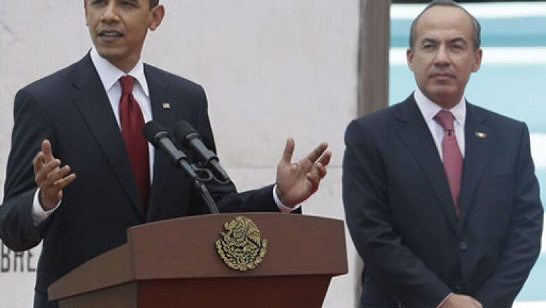 Obama sostuvo que la relación con México es fuerte, pero aseguró que puede fortalecerse aún más.  Expresó que ambos países deben trabajar lado a lado para reforzar la seguridad y la productividad de sus naciones.