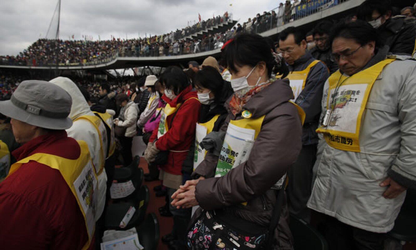 Japón recordó este domingo 11 de marzo el primer aniversario del sismo de 9.0 grados Richter y el posterior tsunami que causaron la muerte de miles de personas.