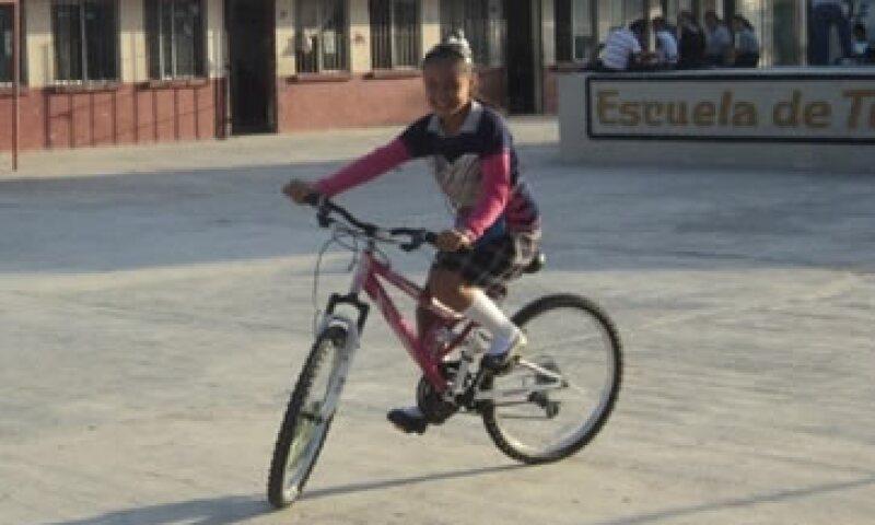 Paloma Noyola Bueno obtuvo el primer lugar en la prueba enlace pese a vivir cerca de un relleno sanitario.  (Foto: Cortesía CNNMéxico/José Urbina)