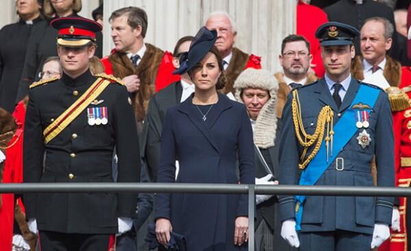 Si bien Kate y William se encontraban en Norfolk, Harry al parecer sí estaba en al Palacio de Kensington cuando sucedió el incidente del hombre.