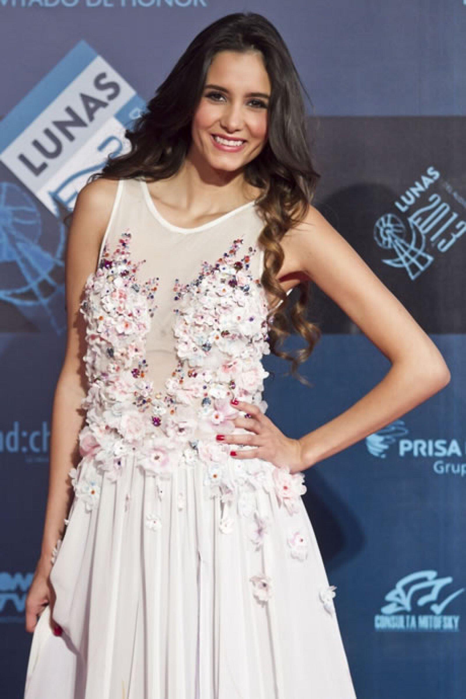 Bárbara Islas lució un vestido con aplicaciones florales.