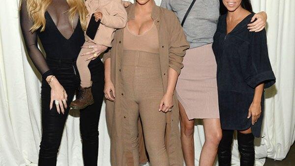 Aunque hayas visto Keeping Up With The Kardashians desde la temporada 1, seguro cuando veas esta foto te sorprenderás de lo mucho que han cambiado Kim, Khloé y Kourtney.