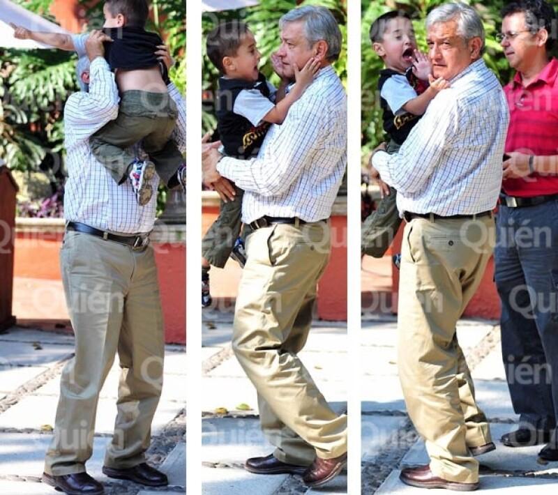 No todo es política en la vida del aspirante a la Presidencia de México en 2012, también hay espacio para lo personal, que es su familia.