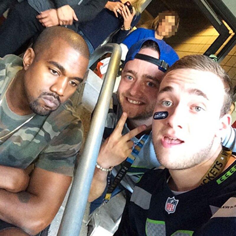 Parece como si Kanye no se diera cuenta de lo que está pasando.