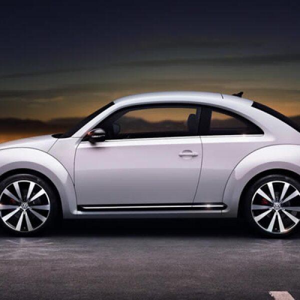 El nuevo modelo tiene diferentes proporciones: 1,800 mm de ancho, 1,486 mm de alto y  4,278 mm de largo.