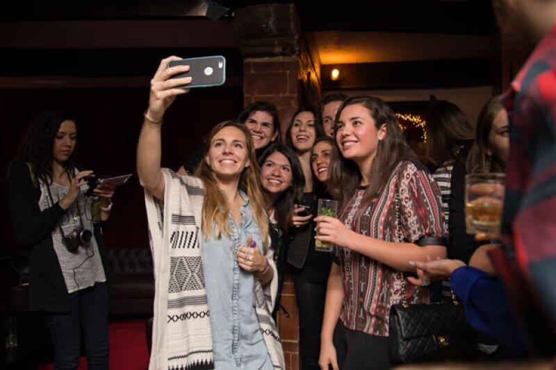 Amigos y seguidores después del espectáculo.