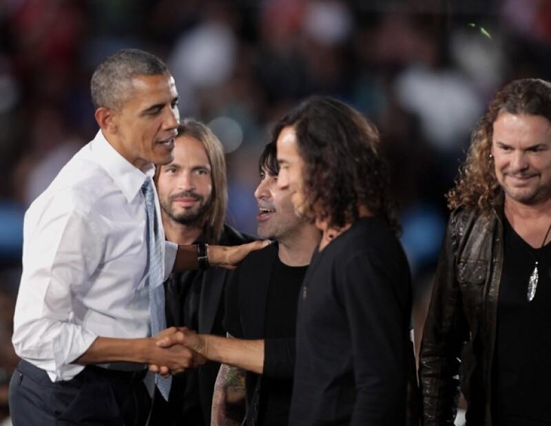 El cuarteto ofreció un concierto gratuito en Las Vegas para apoyar la reelección del presidente actual de Estados Unidos, tanto la banda como Barack se mostraron felices y efusivos.