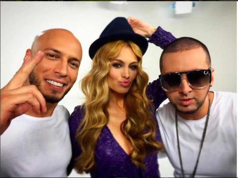 Pau ha compartido algunos detrás de cámaras de la grabación del videoclip junto al dueto de reggaeton Alex y Fido, en los que luce muy guapa y no muestra su cuerpo.
