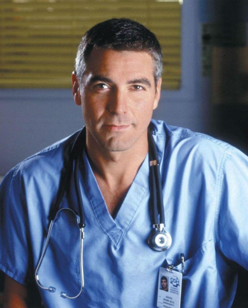 George Clooney quizás fue el primero en demostrar lo atractivos que podían ser los doctores en televisión. Por eso extrañamos su época en ER.