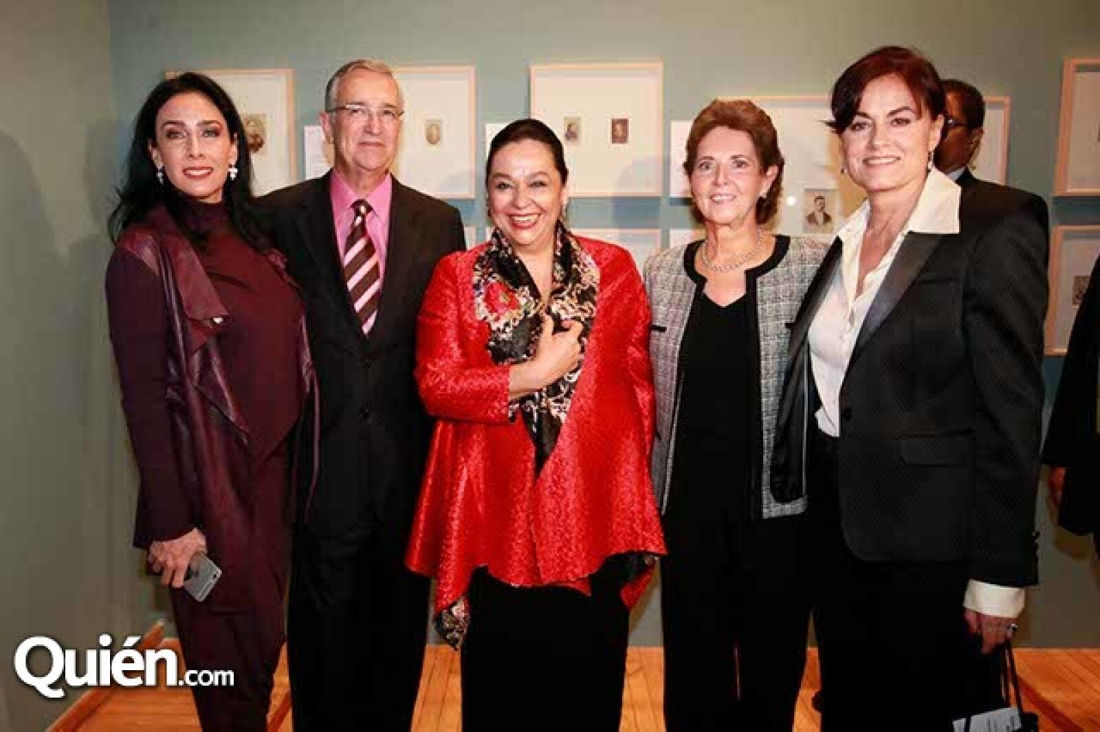 María Laura y Ricardo Salinas,Carmen Gaytán,María Cristina Cepeda y Mercedes Garcia Ocejo
