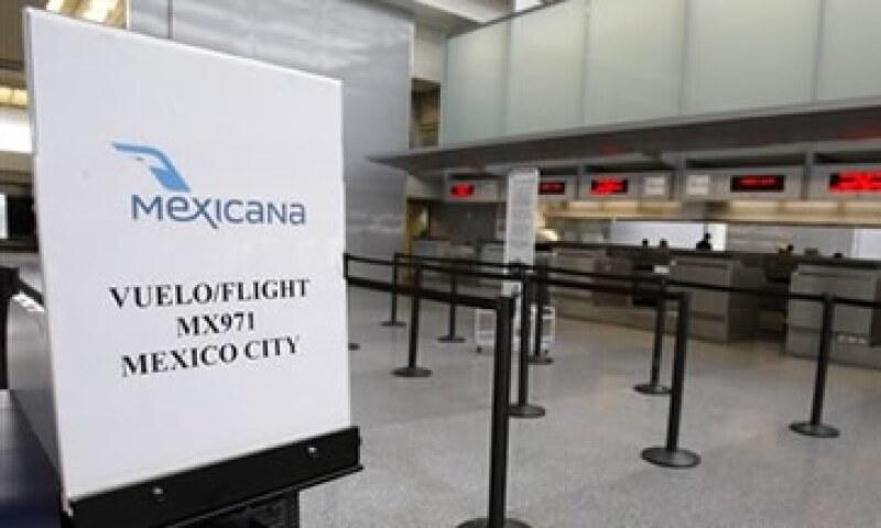 Según un análisis del Tec de Monterrey y de las agencias de viaje, la menor oferta de asientos trajo un aumento de hasta 40% en tarifas. (Foto: AP)