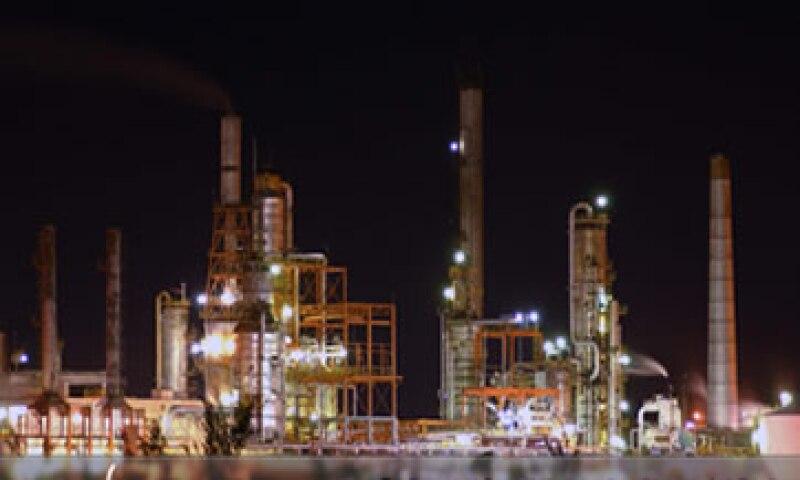 La refinería de Minatitlán fue modernizada hace unos años.  (Foto: tomada de rodamientos-samper.com.mx)