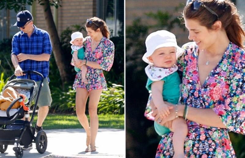 La hija de Carolina de Mónaco lució un corto playsuit durante un paseo con su familia por Venice Beach, California.