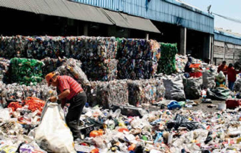 Los 1,500 pepenadores del Bordo Poniente en el DF se reparten las ganancias que obtienen por la recolección de residuos sólidos. (Foto: Gabriela Gutiérrez)