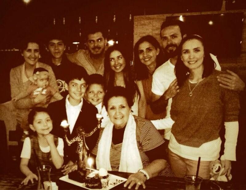 La familia se volvió a reunir en el cumpleaños de la matriarca.