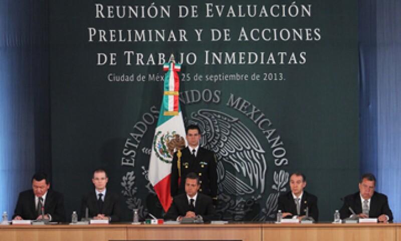 Peña Nieto pidió a la Segob y a la Secretaría de Hacienda agilizar la entrega de recursos del Fonden. (Foto: Notimex)
