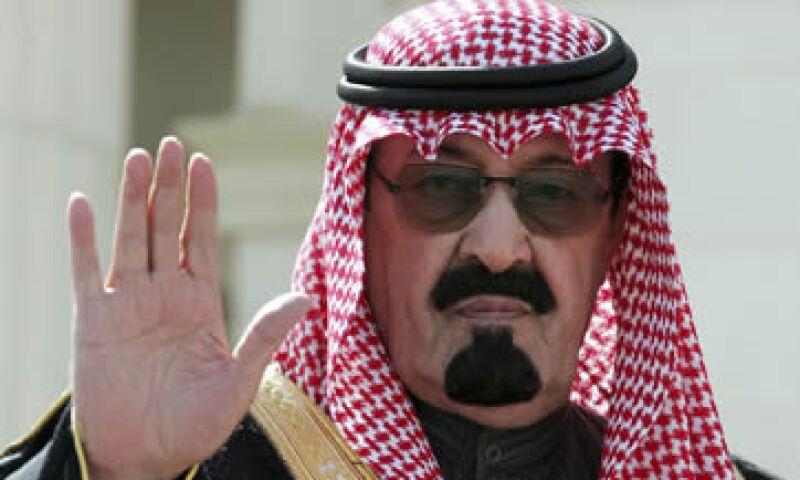 Abdullah llegó al trono luego de la muerte de su hermanastro Fahd. (Foto: AFP )