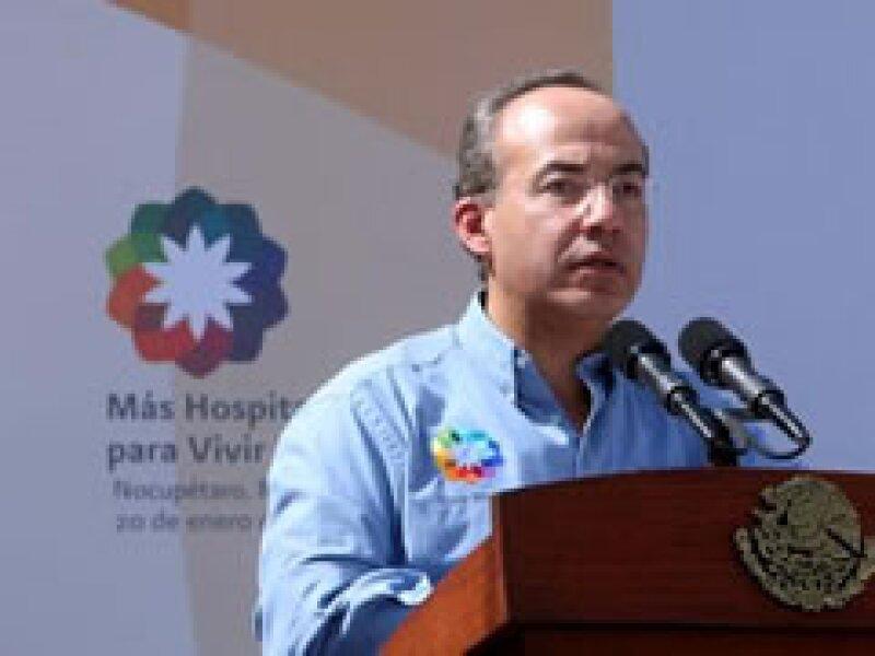 El presidente Calderón realizó una gira por Michoacán, en donde inauguró un hospital comunitario. (Foto: Especial)