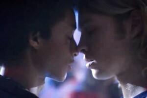 La controversial escena en donde Dizzie aparece besando a Thor en The Get Down