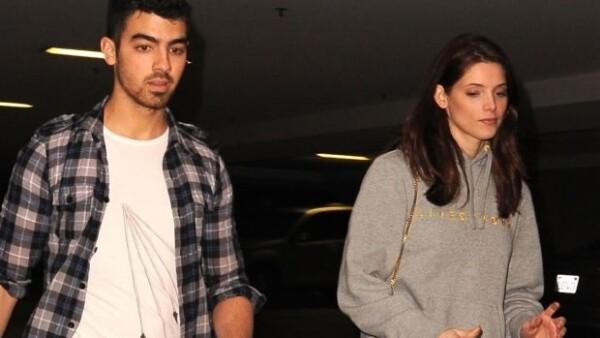 El cantante del grupo Jonas Brothers y la actriz de Twilight, quienes hasta hace unos días parecían felices juntos, decidieron terminar su relación.