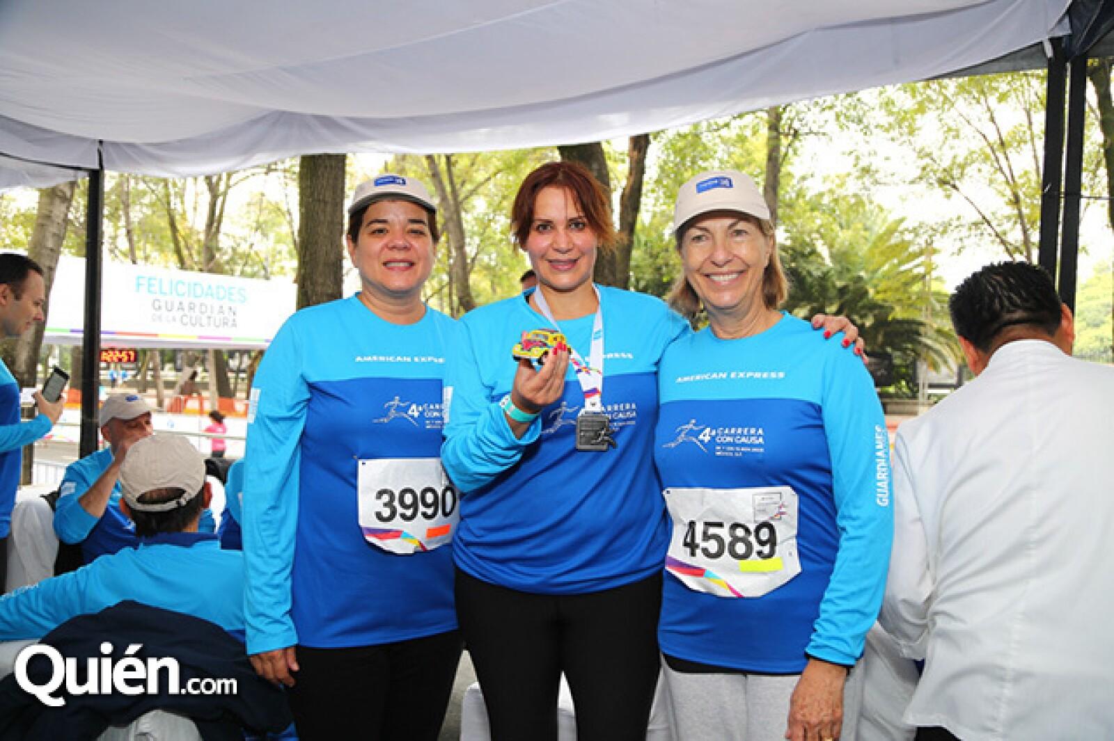 Sonya Santos,María Esther Villar y Marie Thérèse Arango