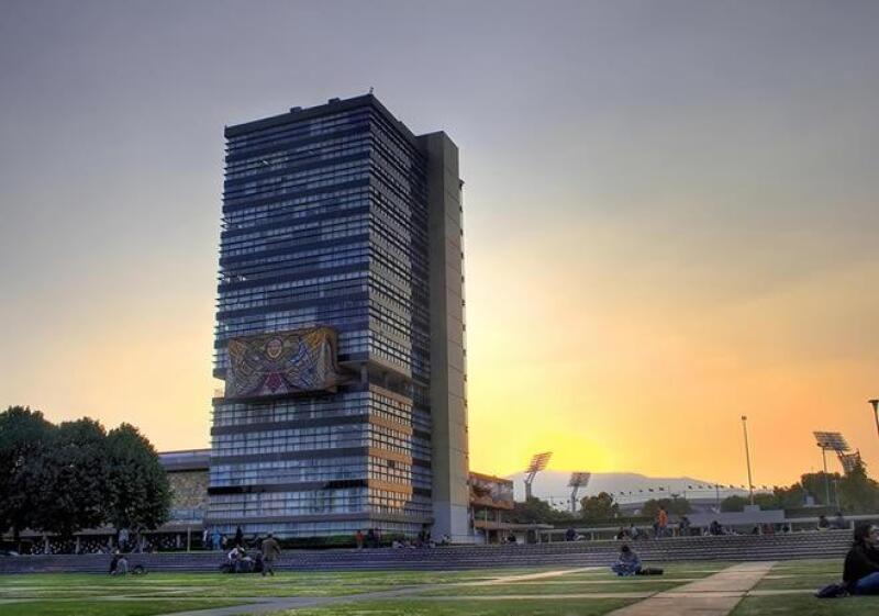 Edificio torre de Rector�a UNAM
