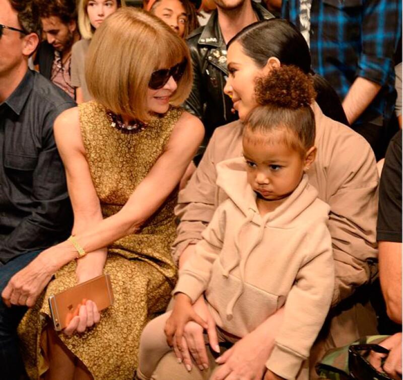 North mostró su molestia durante todo el desfile de Kanye West.