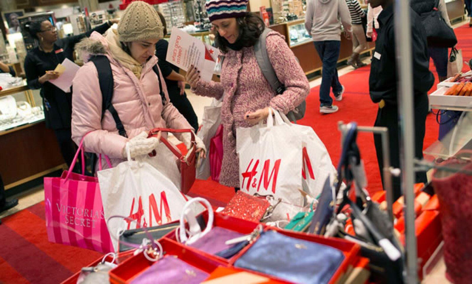 El elevado desempleo y el paquete de aumentos fiscales y recortes de gastos, conocido como el abismo fiscal, podrían hacer dudar a los estadounidenses para adquirir nuevos bienes duraderos.