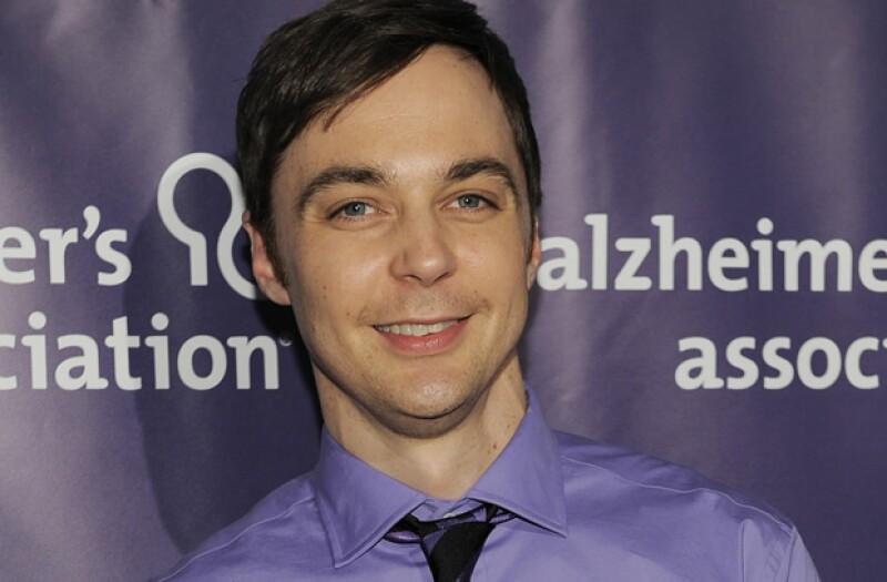 El actor de `The Big Bang Theory´ ofreció una entrevista al New York Times y en el texto de la publicación se menciona que es gay y tiene una relación de 10 años.