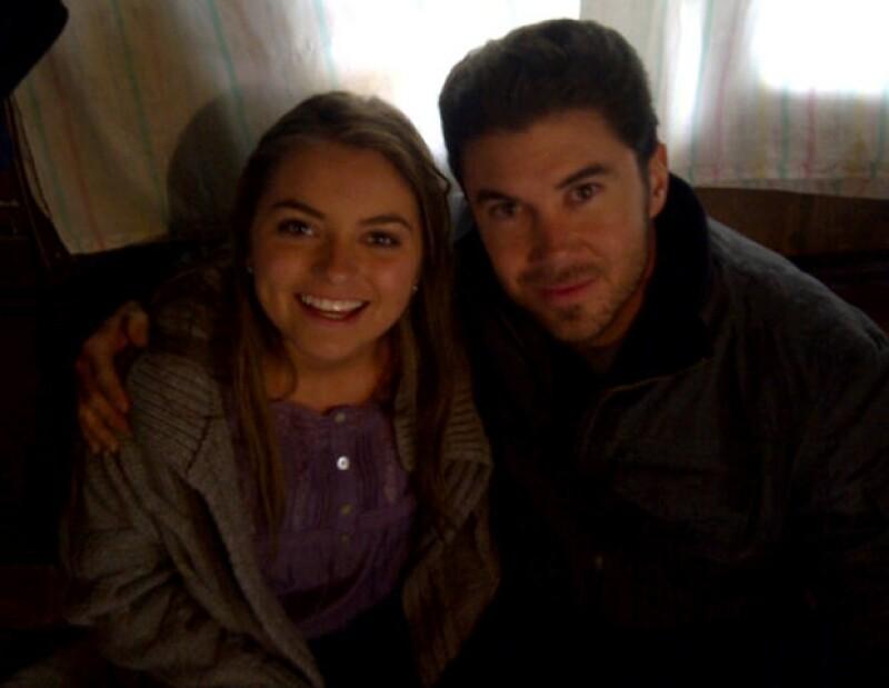 En esta fotografía aparece Sofía con el actor Mundo Siller.