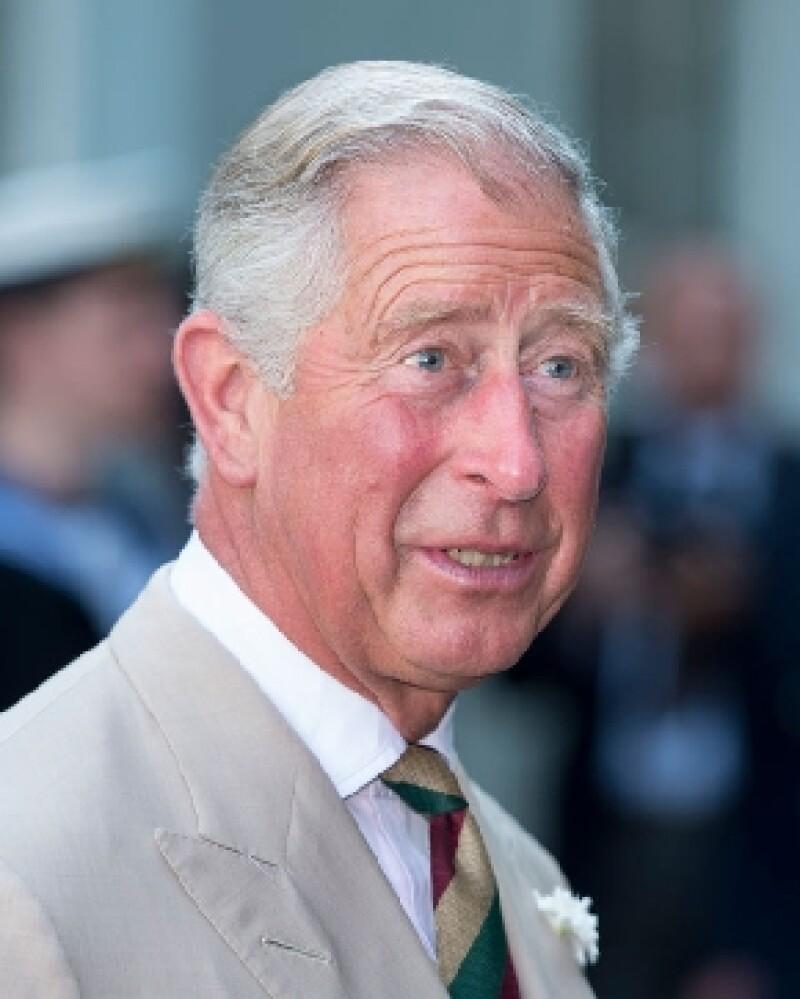 Orgulloso y feliz, así se describió el próximo heredero al trono británico respecto al nacimiento del primogénito de los Duques de Cambridge, Kate y Guillermo.