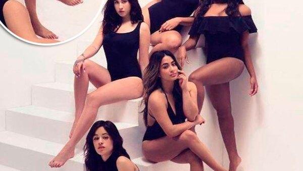 La revista fue criticada tras publicarse una foto en la que una integrante de Fifth Harmony aparece con dos pies derechos.