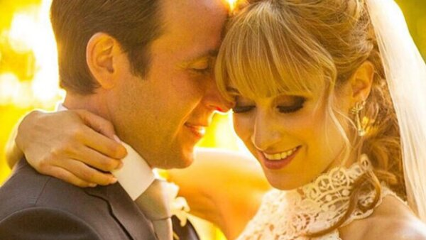 A casi dos meses de haberse comprometido, Hanna se casó este sábado con su novio, Juan Carlos Herrera.