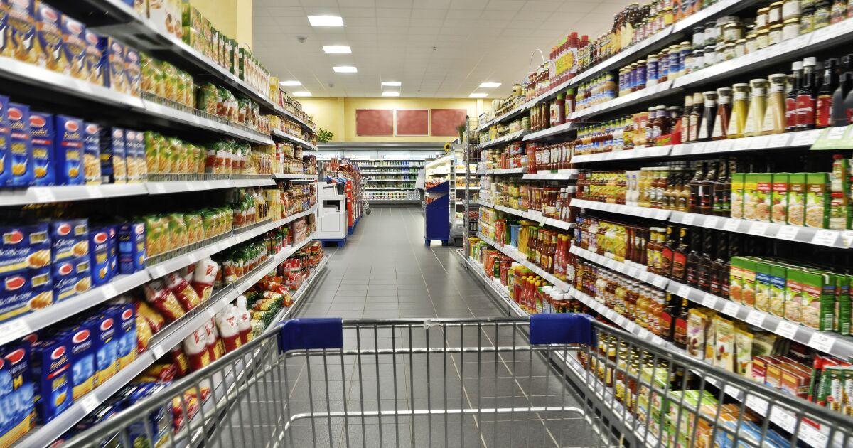 Walmart regresa a la cima y llena el carrito frente a sus competidores