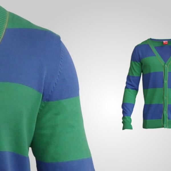 El famoso estilo 'college' se mantiene en esta opción de suéter a dos colores, fabricado en algodón.