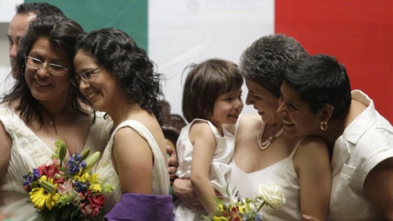 La Ciudad de México celebra 700 bodas gay a un año de aprobación de la ley