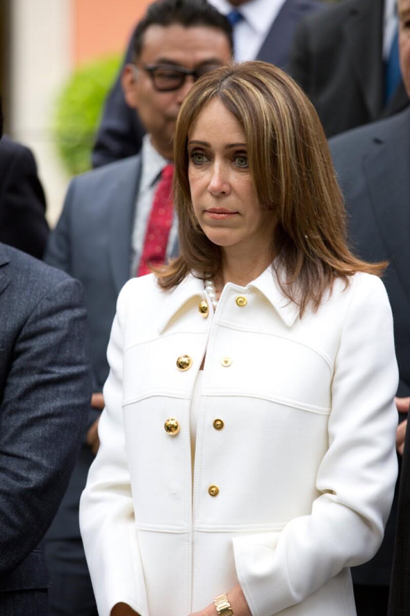 María Asunción Aramburuzabala presentó una demanda en la que acusa a la esposa del conductor y a otras personas de pedir cinco millones de dólares a cambio de no parar el edificio de departamentos que está construyendo en Polanco.