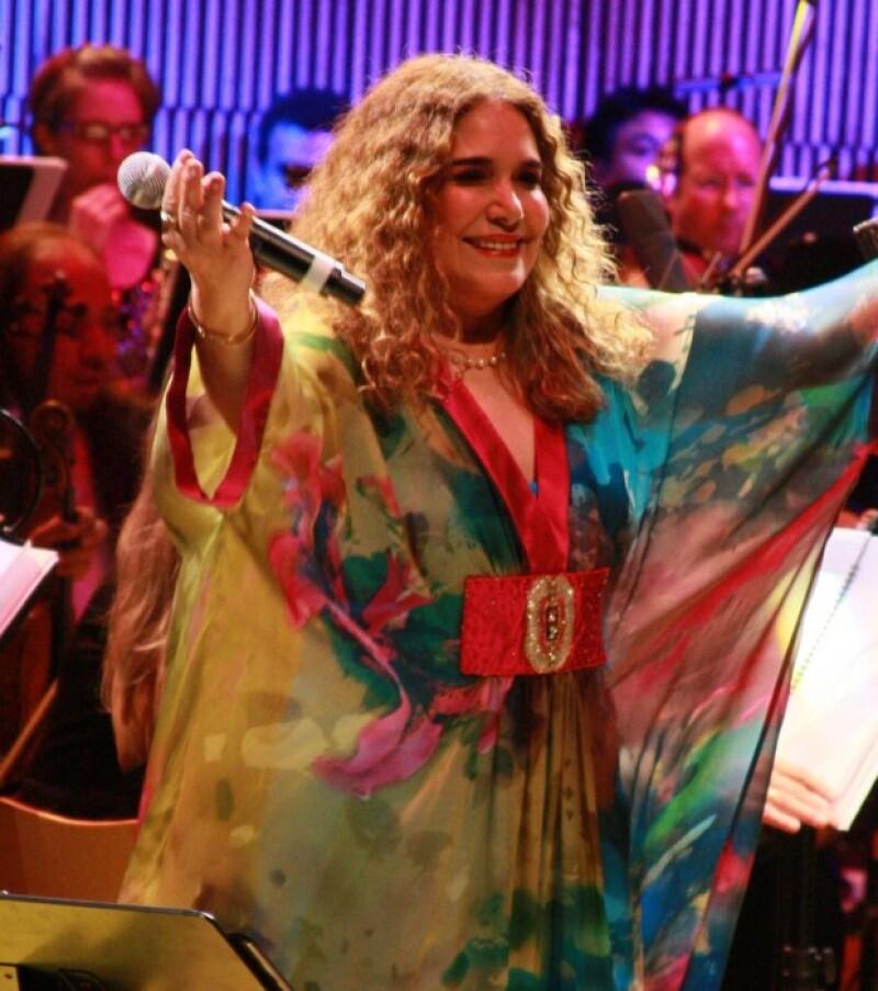 Los conciertos que Tania Libertad ofreció en Bellas Artes para celebrar 50 años de trayectoria, quedaron inmortalizados en un álbum de colección.