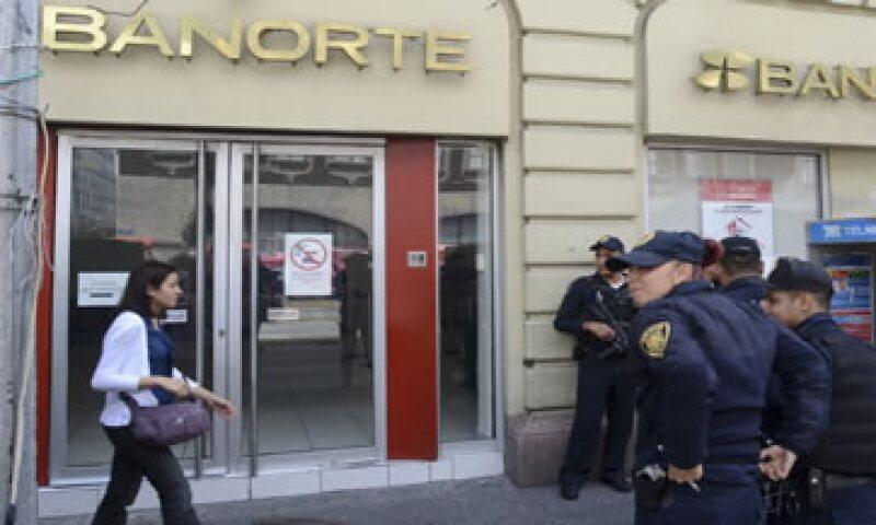 Banorte dijo que Guillermo Ortiz será sustituido por Carlos Hank González.  (Foto: Cuartoscuro )