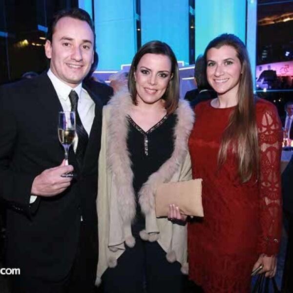 Juan Sotres,María Cisneros y Francesca Romita