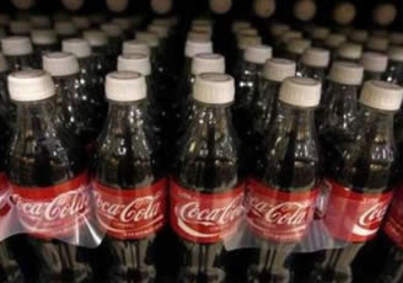 Coca-Cola invertirá 5,000 millones de dólares en México hasta el 2013. (Foto: Reuters)